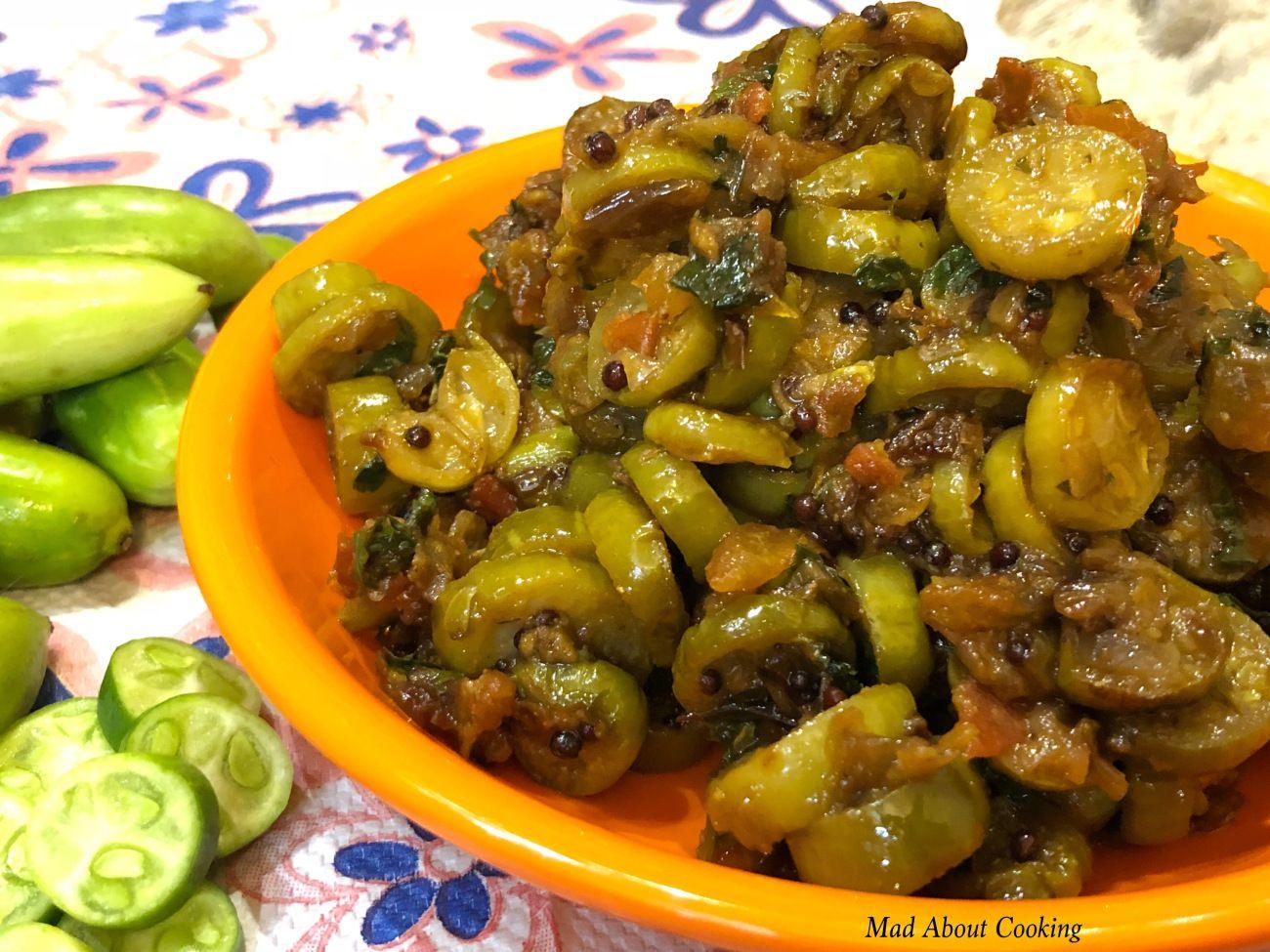 Kundru Garlic Ki Sabzi (Ivy gourd Garlic Dry Vegetable