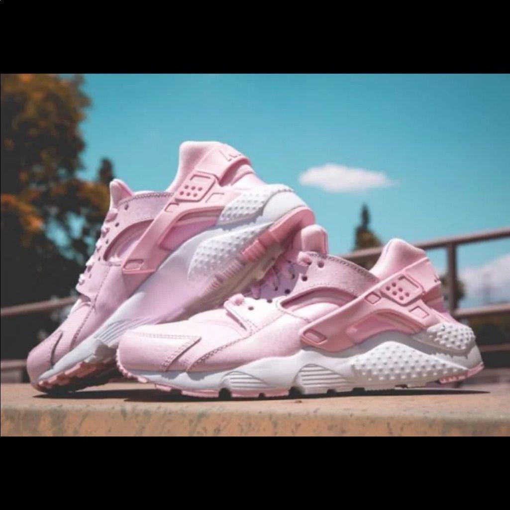 Girls Nike Huaraches Size 13 in 2021 | Nike shoes girls, Kid shoes ...