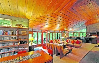 Frank Lloyd Wright home in Kalamazoo reflects the famed architect's Usonian style.