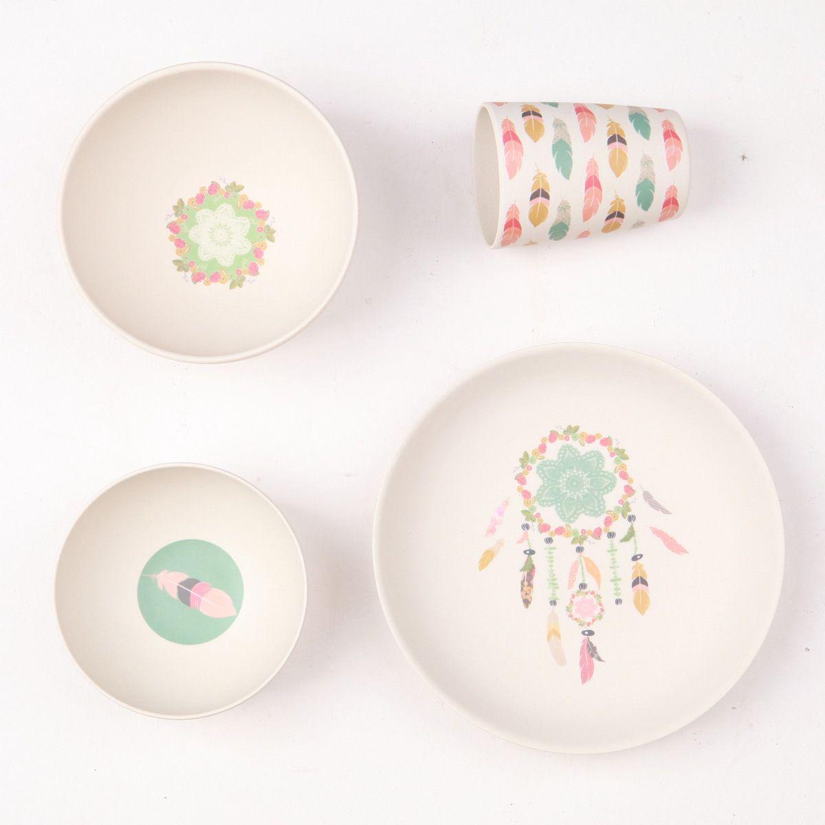 les sets de vaisselle love mae sont constitu s de 4 pi ces en bambou id al pour le b b. Black Bedroom Furniture Sets. Home Design Ideas