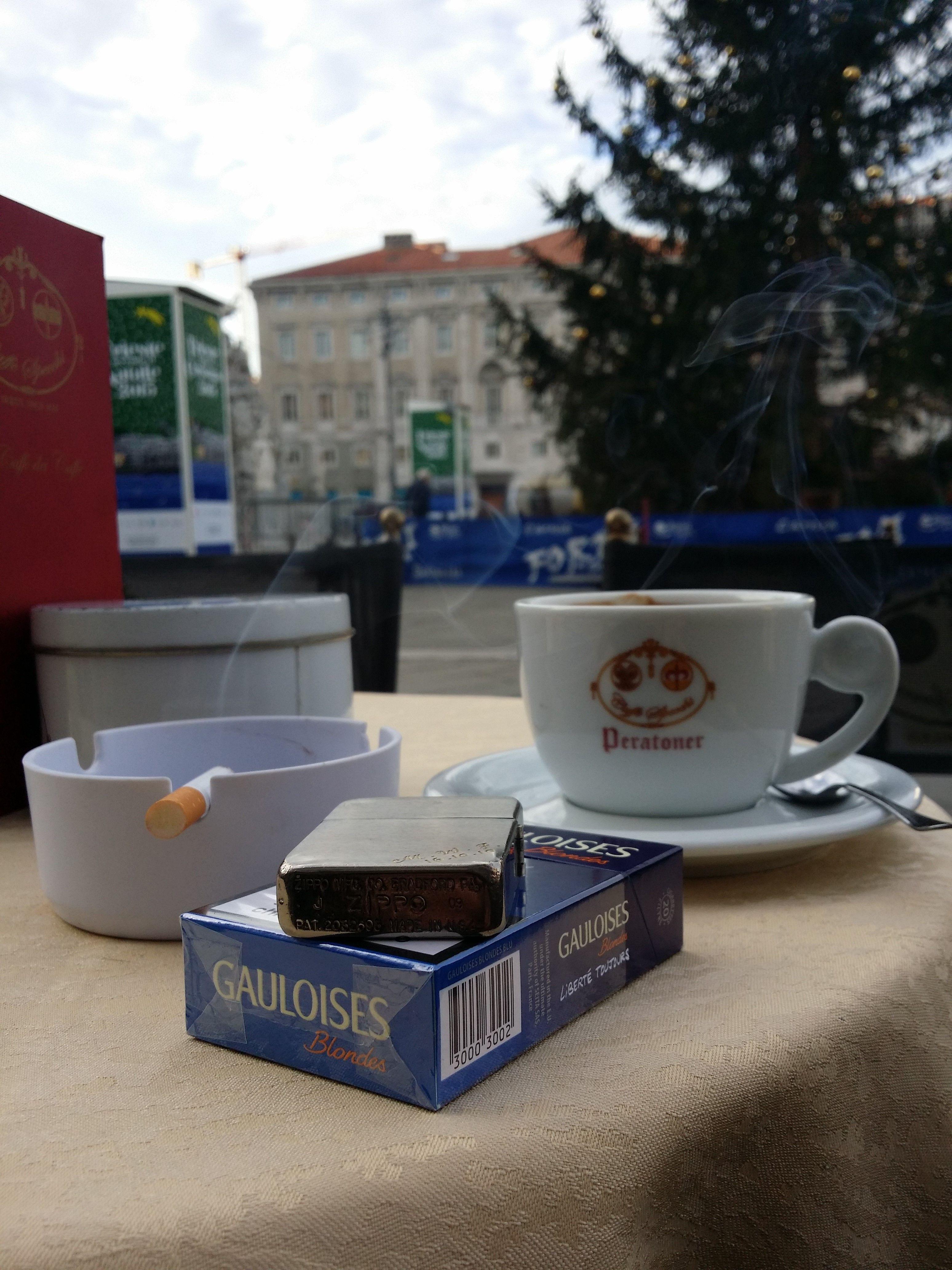 Caffe degli specchi trieste coffee cigarettes gauloises zippo lighter caff e sigaretta - Caffe degli specchi ...