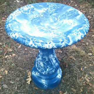 2 Cans Of Spray Paint And A Old Lace Curtain Turned My Old Concrete Bird Bath To This Concrete Bird Bath Bird Bath Diy Bird Bath