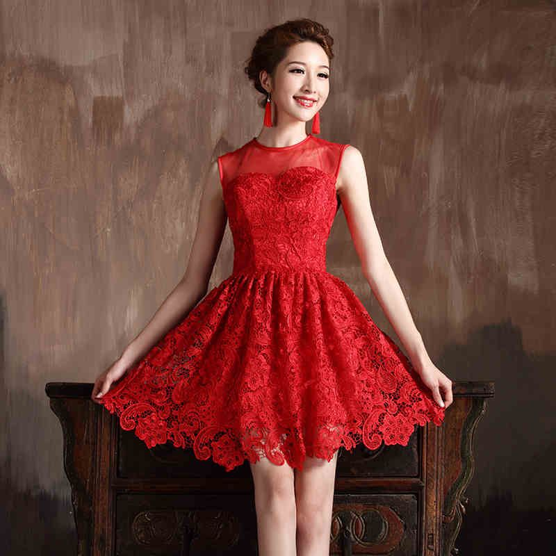 These short lace bridesmaid dresses in red are totally elegant ...