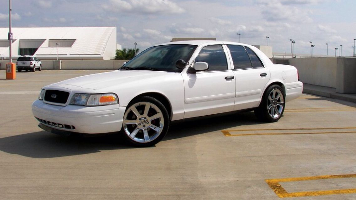 Crown Vic 20 Inch Saleen Victoria Police Grand Marquis Car Ford