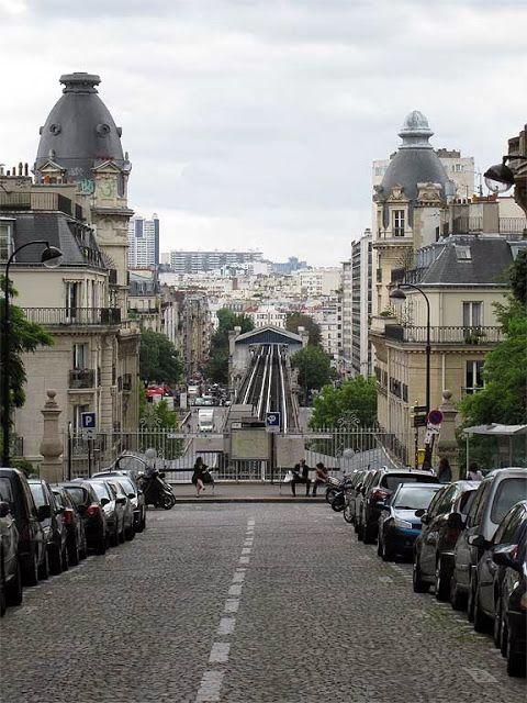 Passy Metro Station From Rue De L Alboni Quartier De La Muette