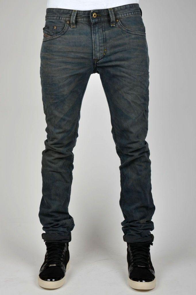 543b9e70 New Diesel FW Collection - Texture Exposure, de nieuwe lijn van de duurdere  Diesel Jeans. Zie hier de skinny 'Thavar 808Z Jeans' met vette ruit in de  denim ...