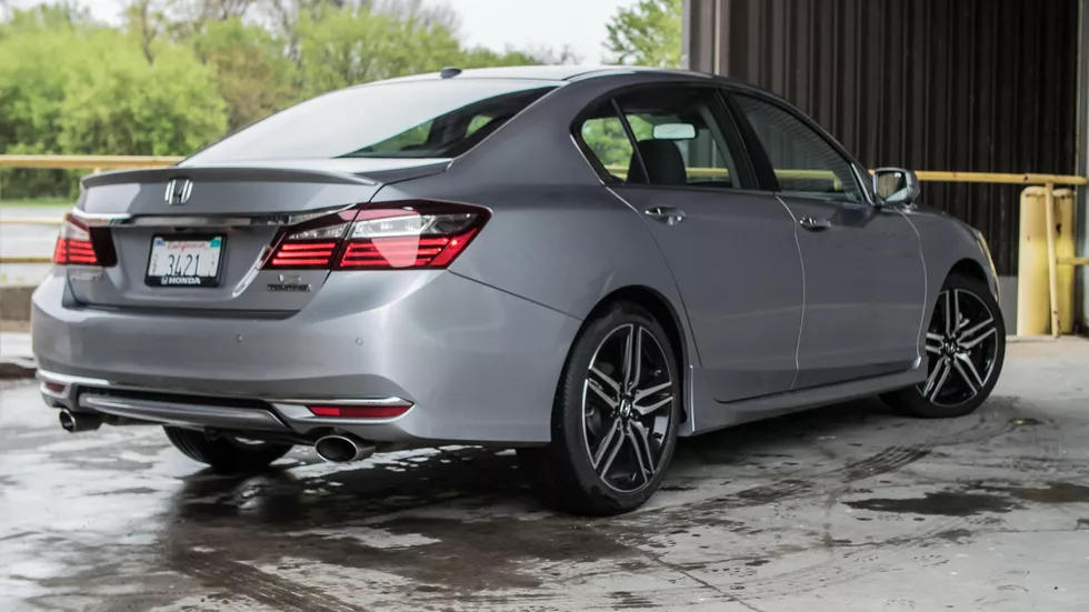 2017 Honda Accord Touring has sharp looks and is quick