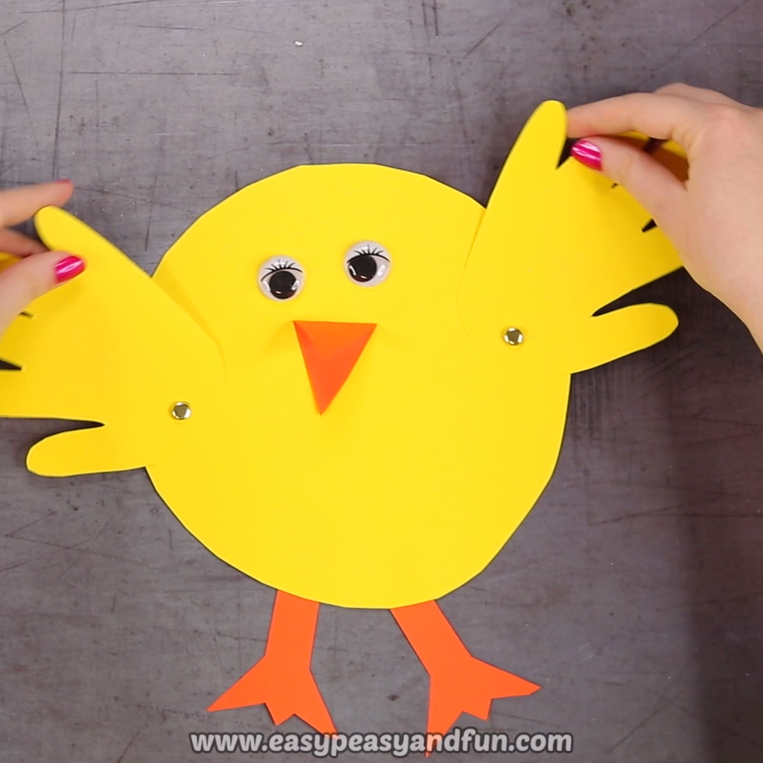 This is a fun Easter craft idea for kids to make and it can be made either in the classroom or at home.