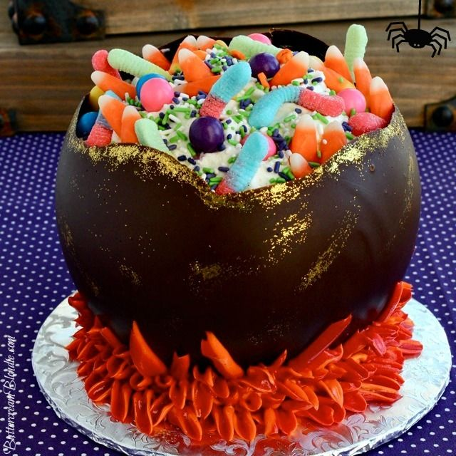 Cauldron Halloween Cake with how-to video ButtercreamBlondie - decorating halloween cakes