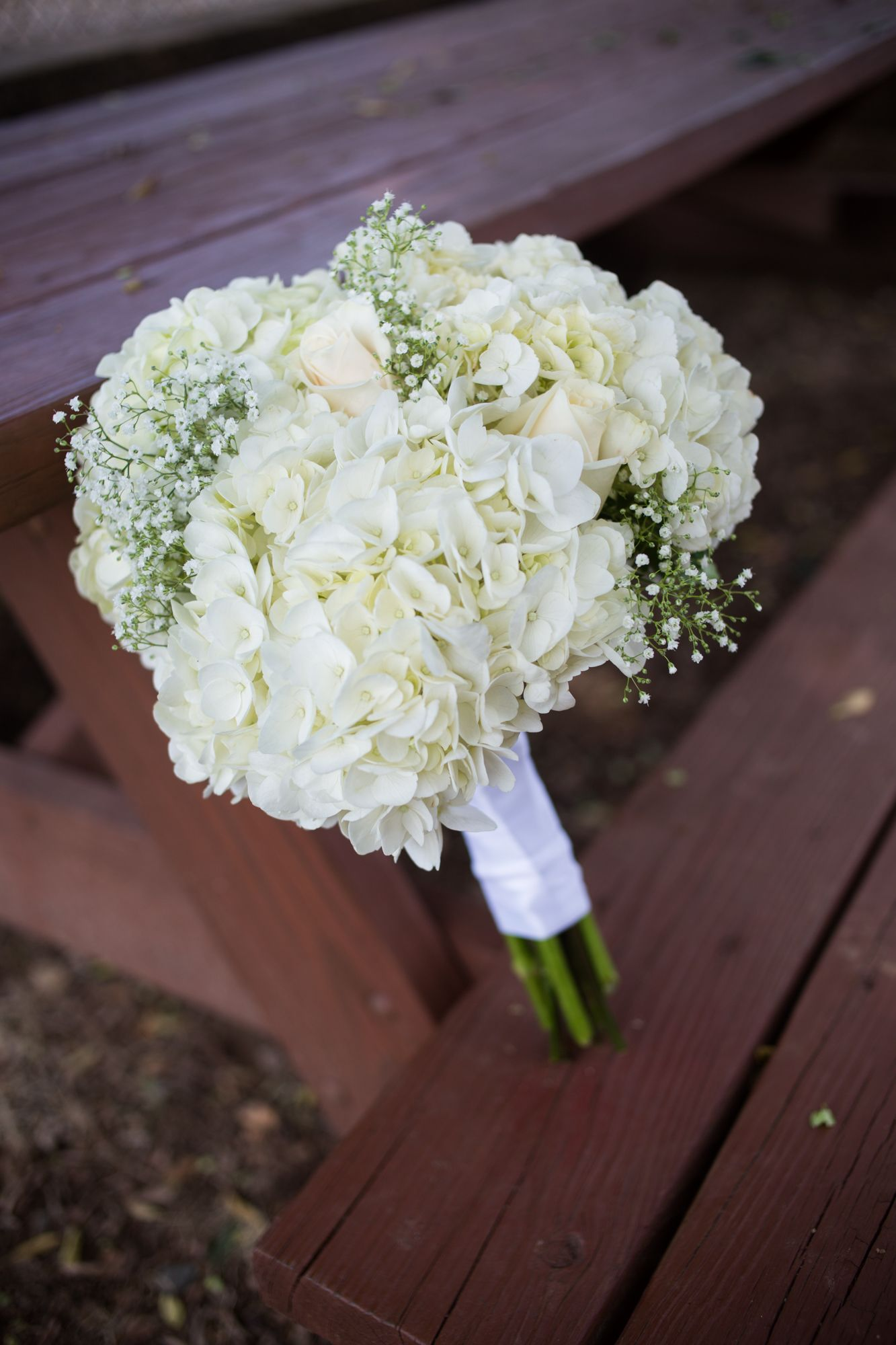 Diy White Hydrangea And Baby S Breath Bouquet Wedding Flowers