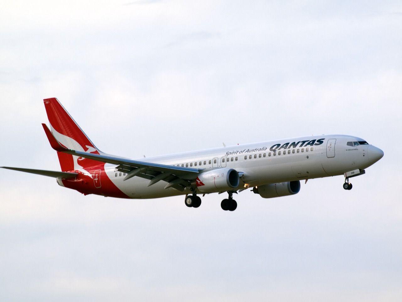 Qantas (Jetconnect) 737 approaching Christchurch  Type: Boeing 737-838 Registration: ZK-ZQD Location: Christchurch International Airport Date: 14/07/2012