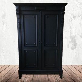 Zwarte Antieke Kast For The Love Ofchalk Paint