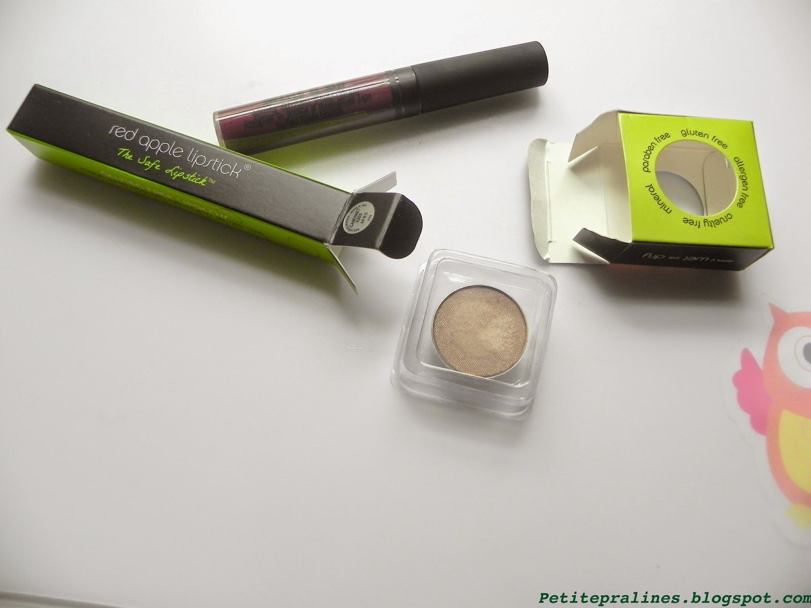 Au Naturale Product Review Red Apple Lipstick Eyeshadow