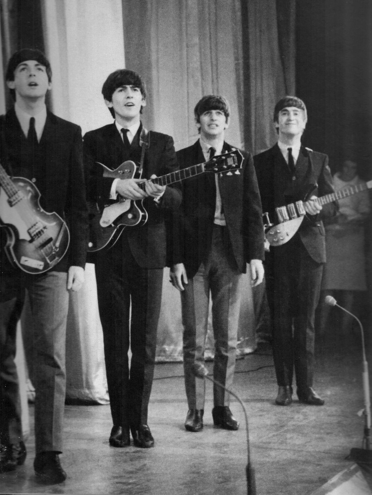 The Beatles - Royal Command Performance at the Prince of Whales Theatre (October 1963)