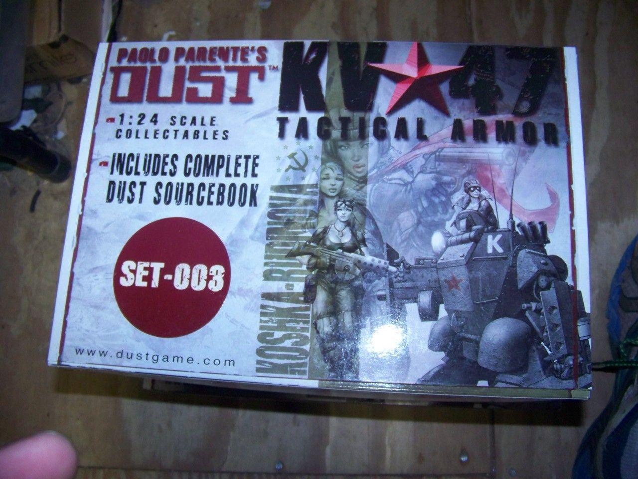DUST Playset 003 KV47 Tactical Armor Paolo Parente 1:24 scale Four figures RARE No Book