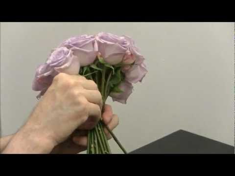 Bouquet Sposa Youtube.Bouquet A Spirale Rotondo Mazzo Formale Con Gambi A Vista Da Sposa