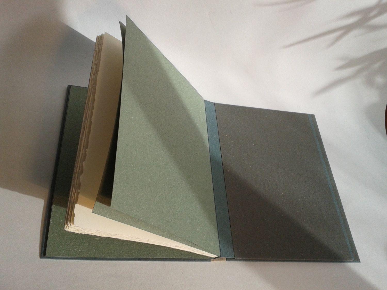 """Livre d'or """"MEMOScripto"""". 60 pages pur coton dans un écrin de papier et de de lin pour célébrer le luxe des mots et la mémoire en beauté. de la boutique MEsMOtsKIT sur Etsy"""