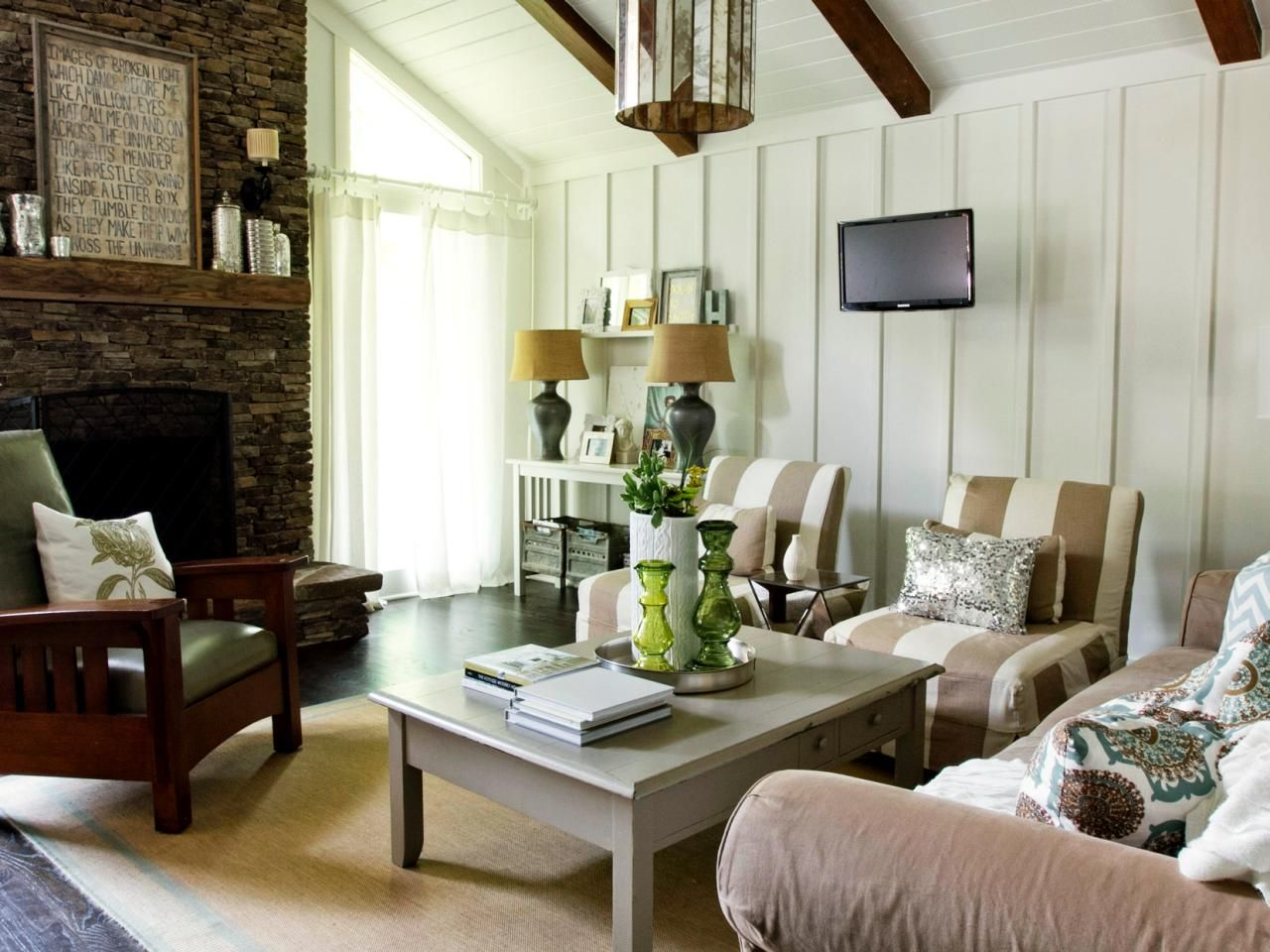 Small cabin ideas pictures remodel and decor - Coastal Cottage Top Living Room Design Styles Home Remodeling Ideas