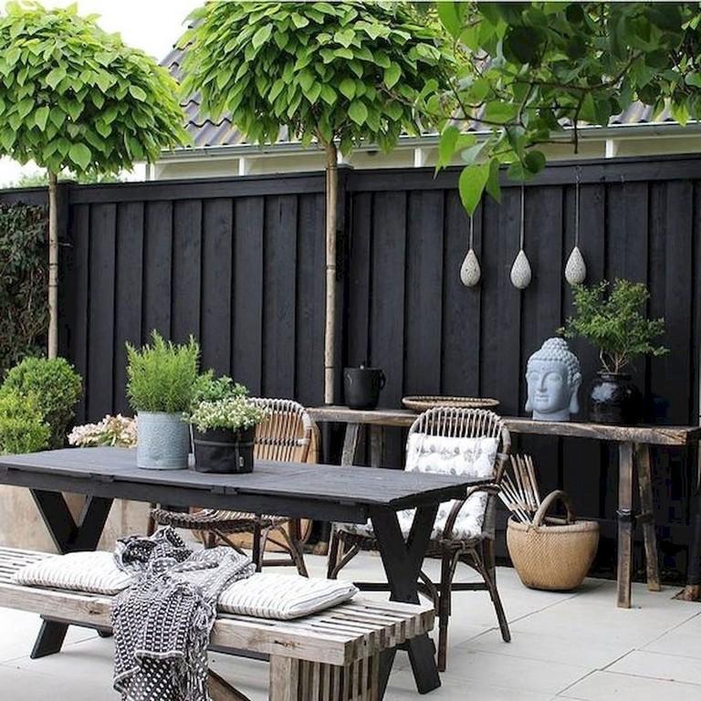 40+ Astonishing Garden Fence Decorating Ideas To Follow