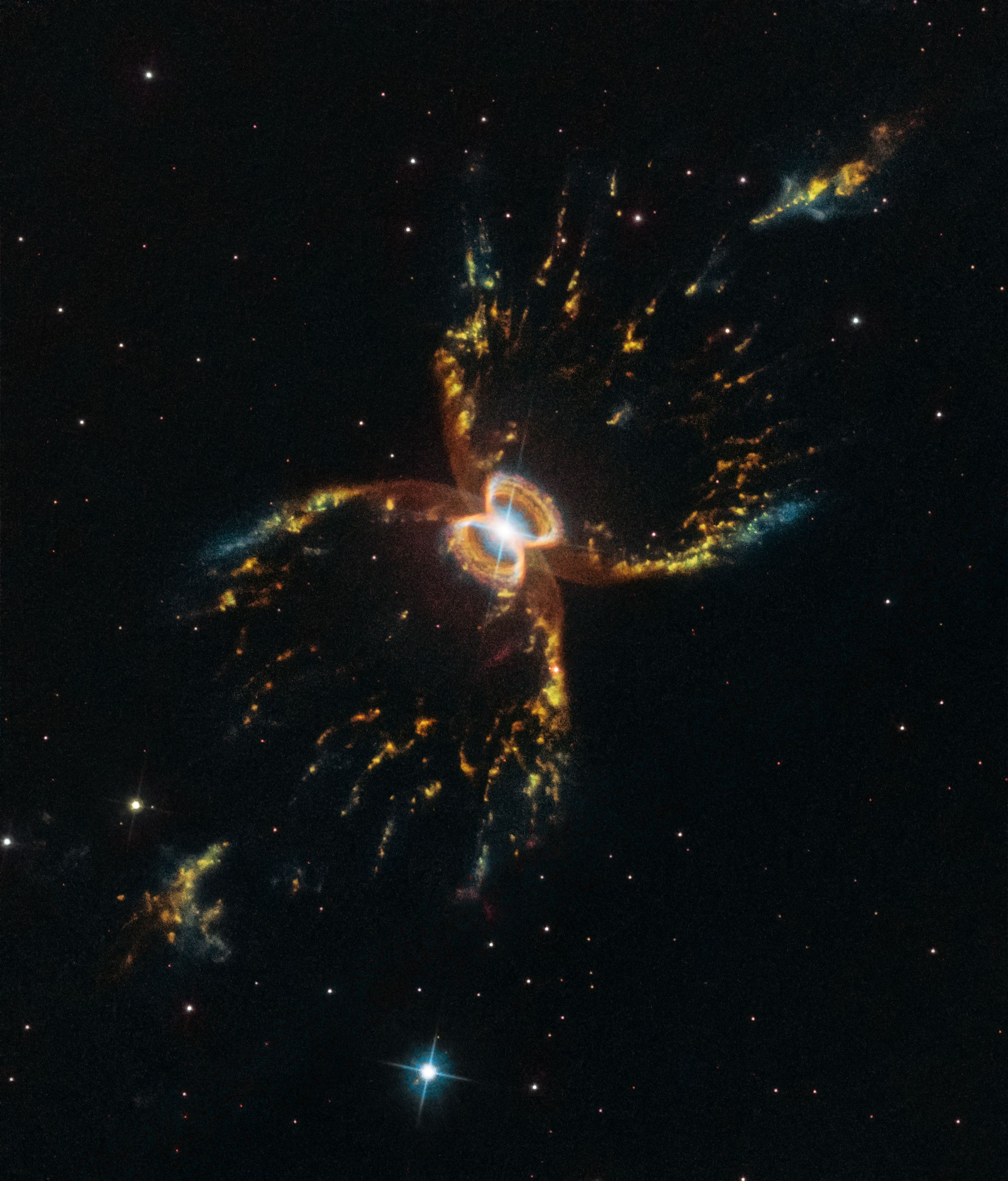 Hubble Reveals Amazing New View of the Southern Crab