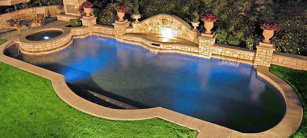 Love this pool pool landscaping pool designs backyard for Pool design mistakes
