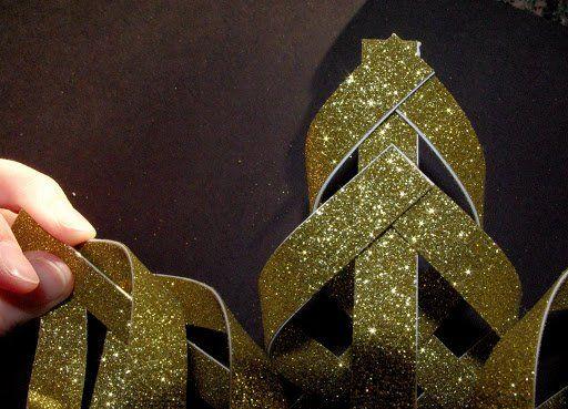 Aprende Hacer Una Preciosa Estrella De Navidad Que Usar En El Arbol Puerta O Centro D Estrellas De Navidad Adornos De Papel Navidad Adornos De Navidad De Tela