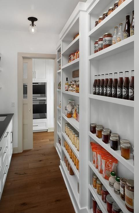 33 DIY Farmhouse Pantry for Your Kitchen #kitchenpantrydesign