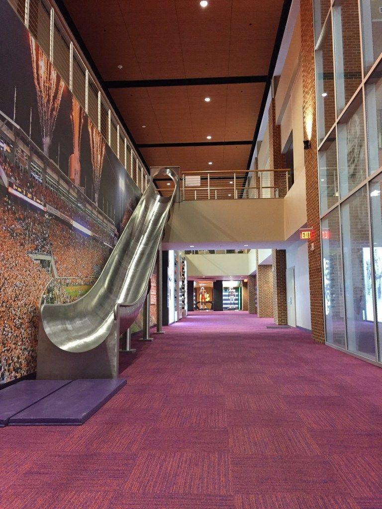 Clemson Opens Amenity Rich New Football Facility Stadium 185 High School Design Built Environment Sport Craft