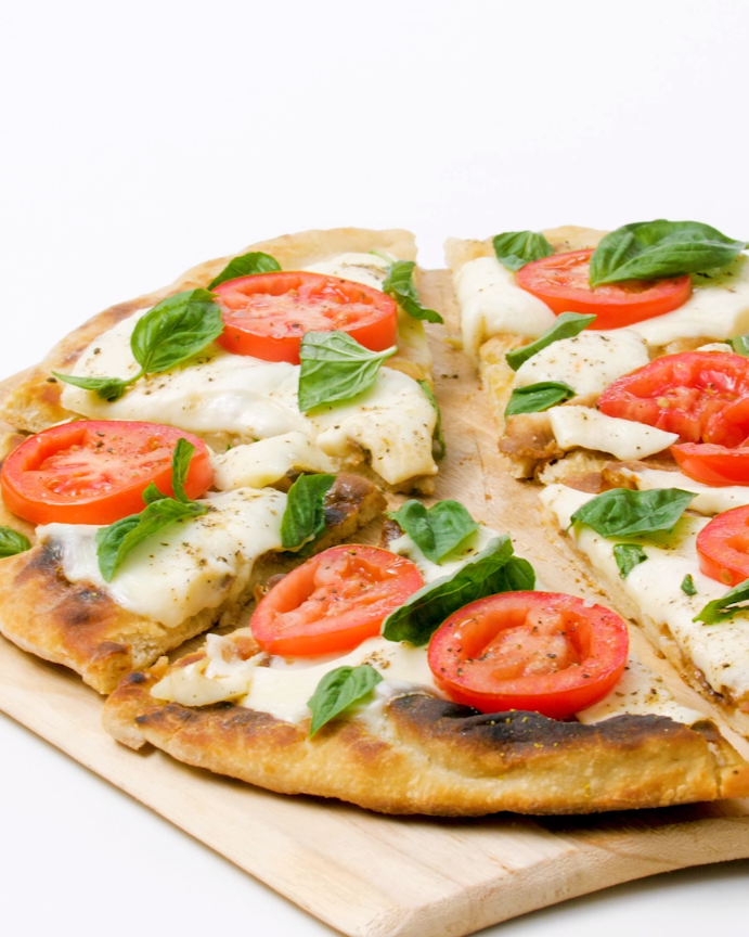 Bobby Flay's Margherita grilled pizza Recipe (With