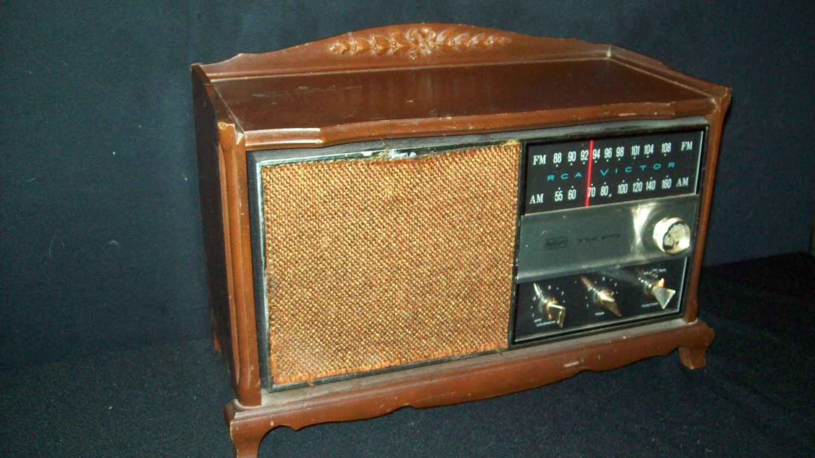 Vintage RCA AM/FM Radio w/Fruitwood Console Model RJC49F