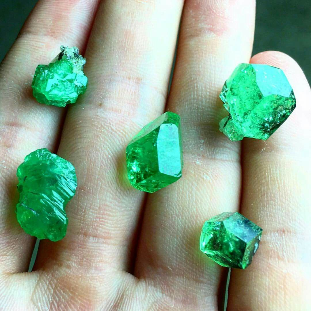 cabochons item gemstone stone tsavorite faceted garnet products stones