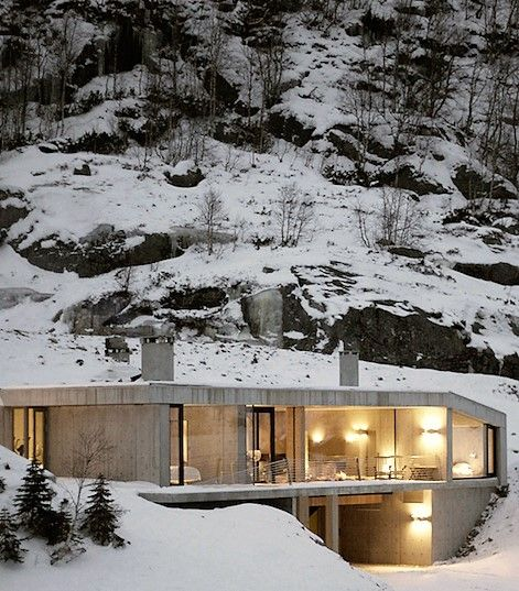 Modern concrete house in norway concrete houses for Modern house design norway