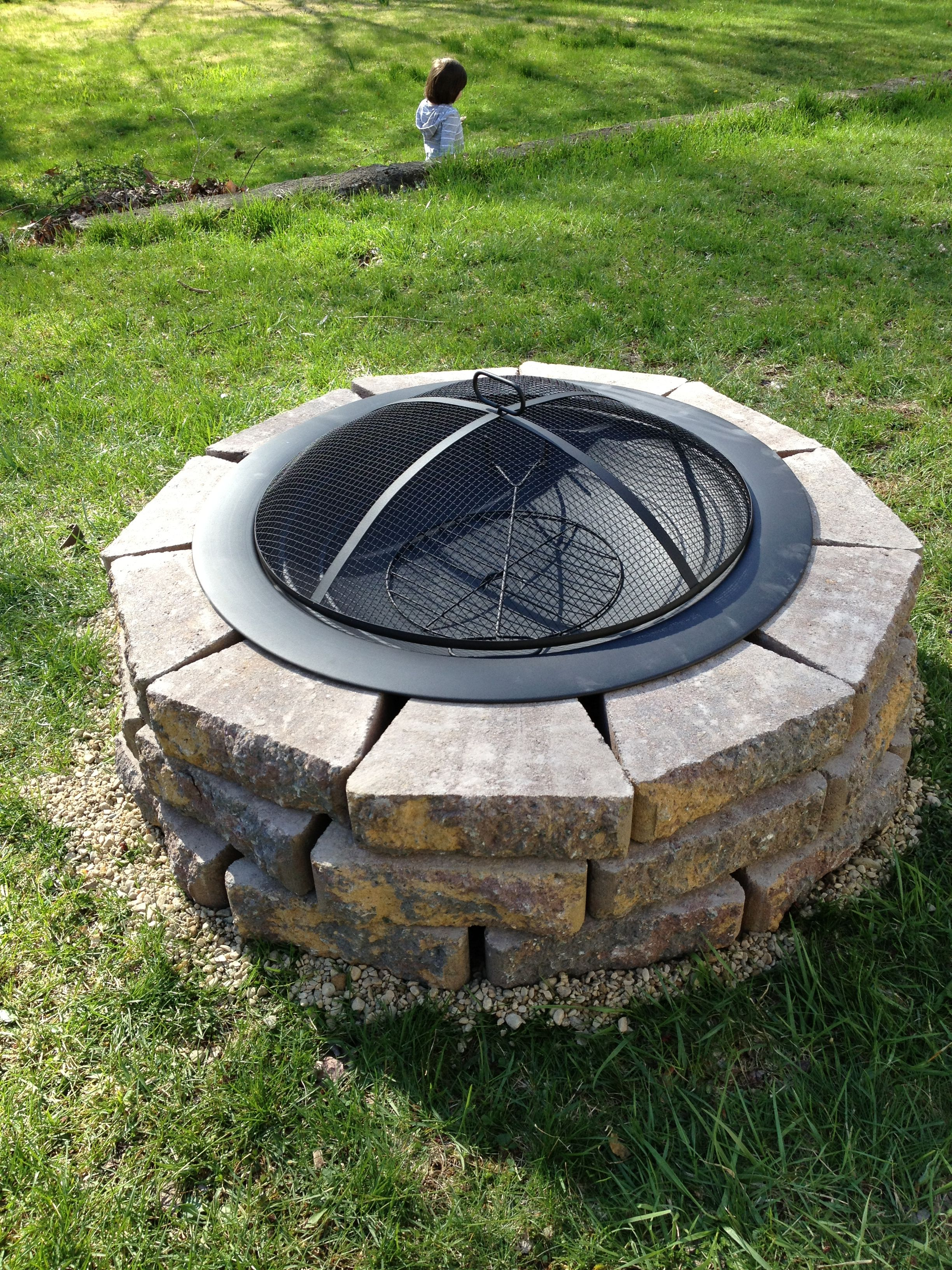 Diy Fire Pit With Spark Screen Fire Pit Landscaping Diy Fire