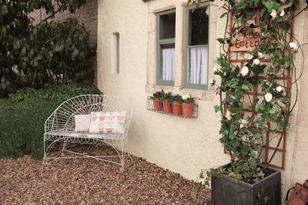 Use Weathershield Smooth Masonry paint in Jasmine White on your ...