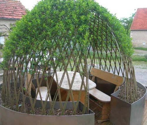 salon-de-jardin-abrite-sous-l-osier-vivant-tresse.jpg | Jardin ...