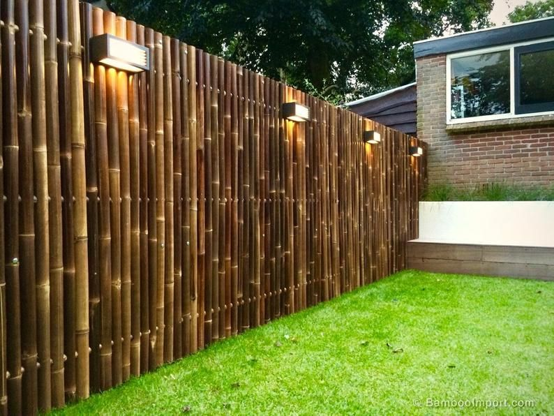 Natural Black Bamboo Fence Sold In 8 Foot Lengths Choice Of 4 Heights In 2020 House Fence Design Bamboo Garden Fences Bamboo Fence