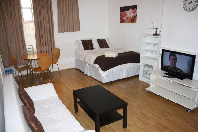 Erstaunlich, Miete Ein Zimmer Wohnung In London #Badezimmer #Büromöbel  #Couchtisch #Deko