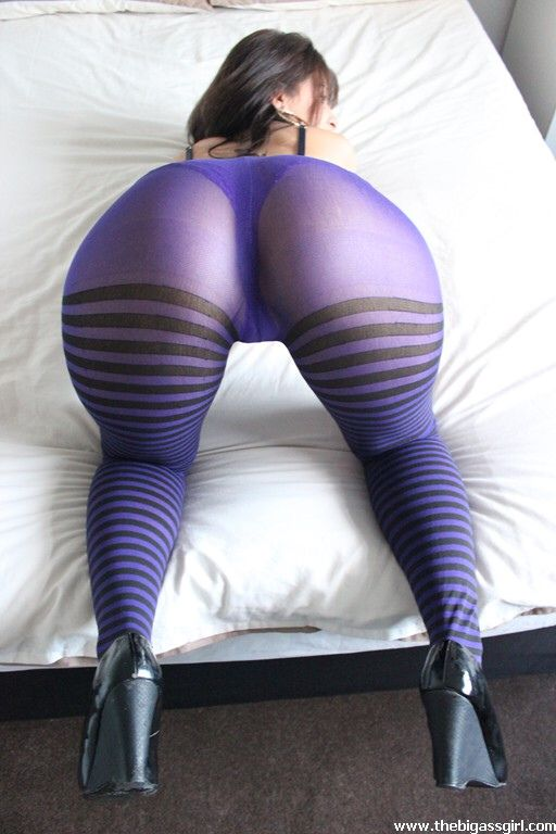 Big ass leggings pics