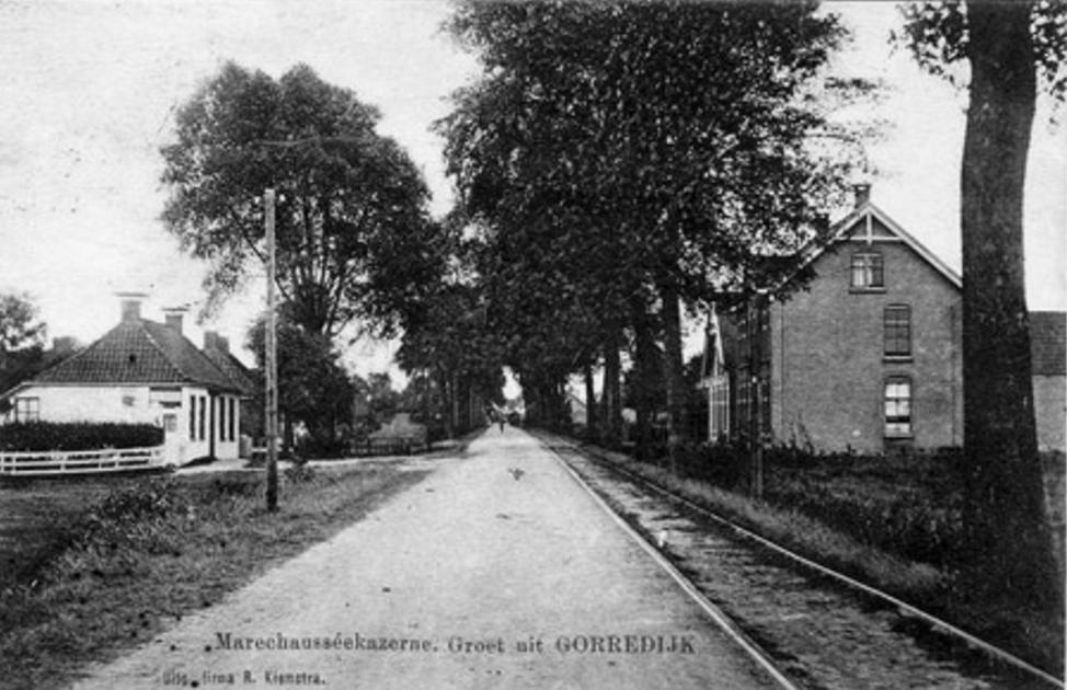 Gorredijk - Marechausséekazerne - Groet uit Gorredijk - Uitg. firma R. Kiemstra