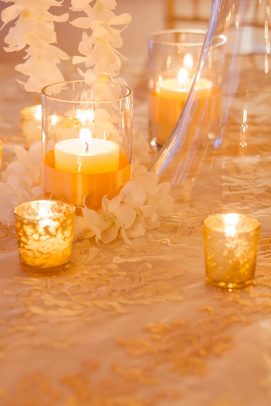 gold details + romantic candlelight + orchids @ivyrobinson @corbin