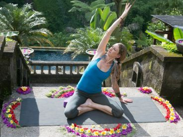 lunar sadhana a woman's practice to align with the moon