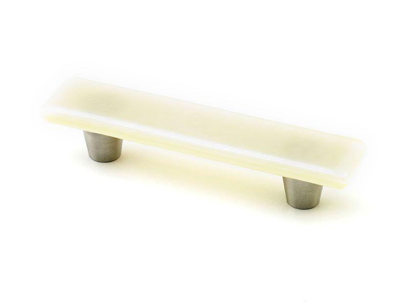 Iridescent Vanilla Silver Pull