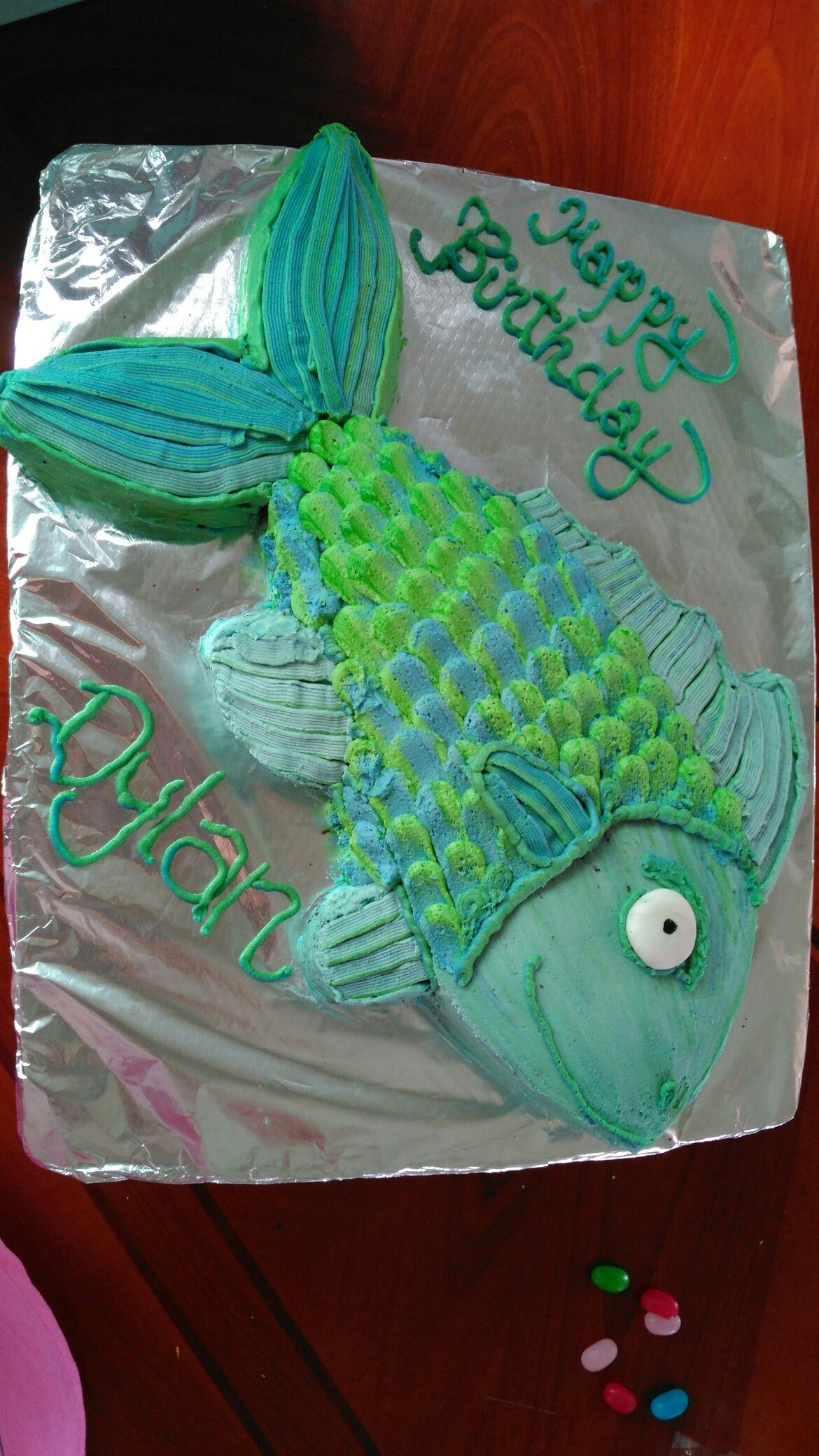 simple fish shaped cake Fish cakes Pinterest Fish Cake and