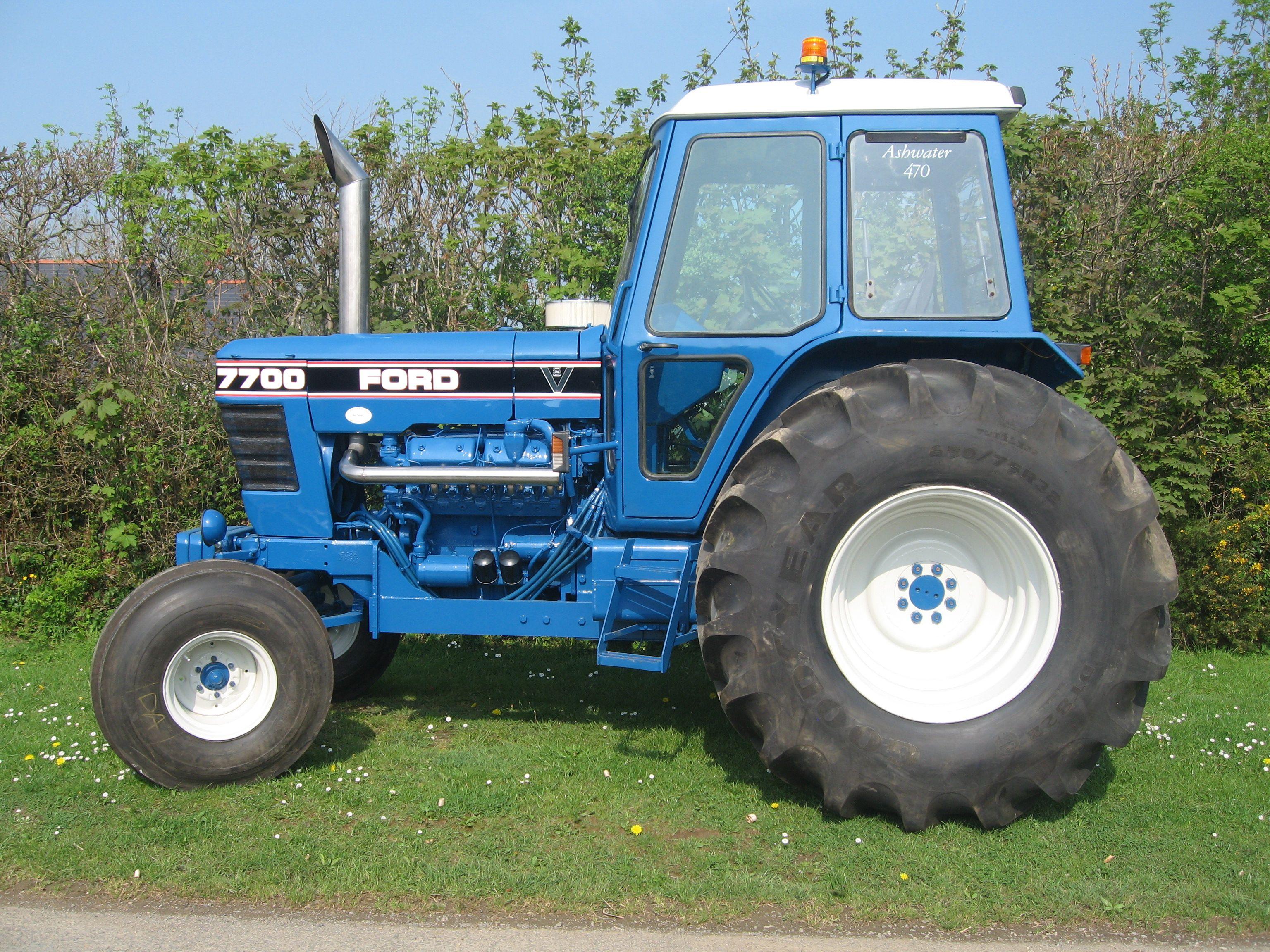 Luke Furse S 7700 V8 Ford Tractors Antique Tractors