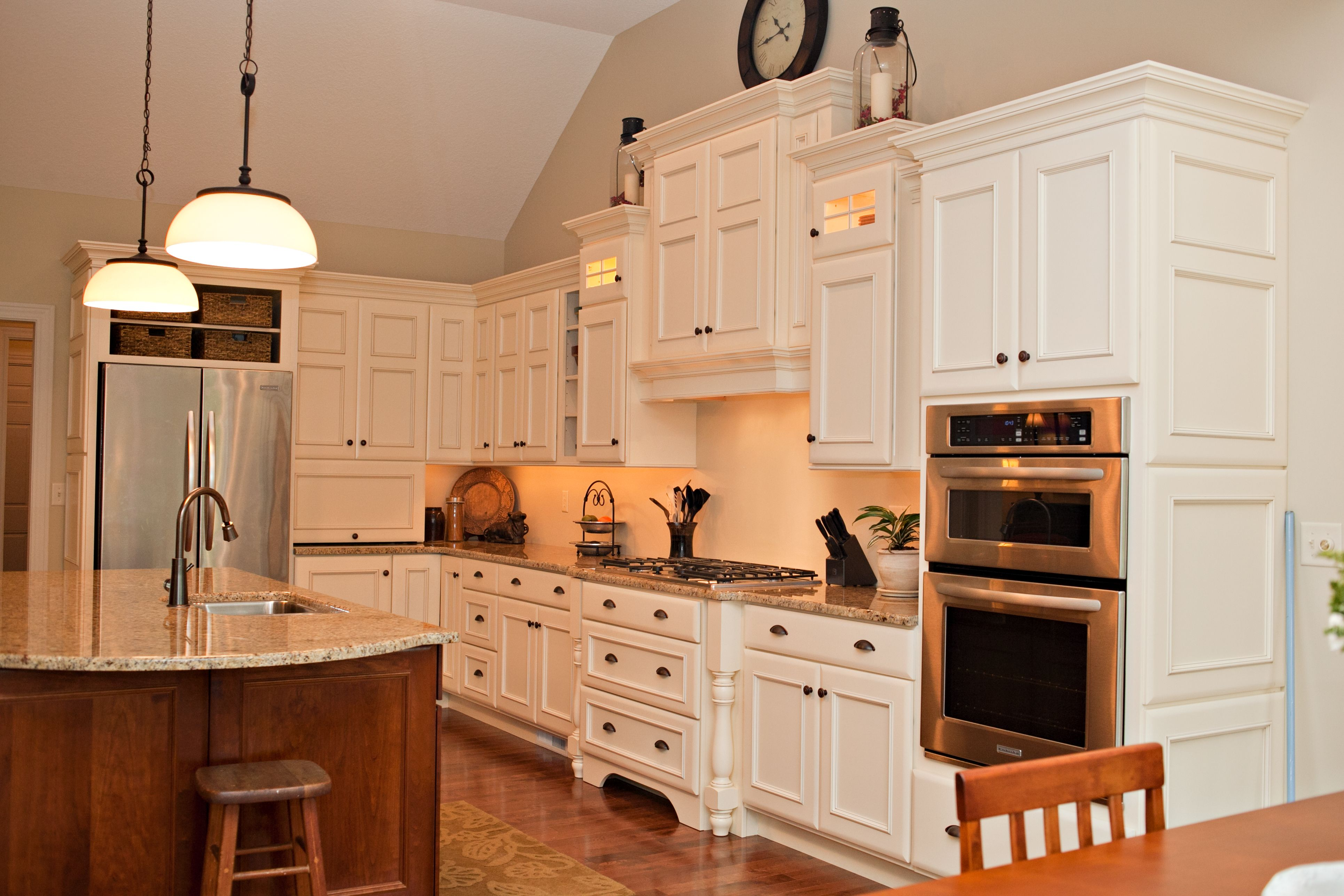 Staggered Heights And Depths On This Range Hood Cabinet