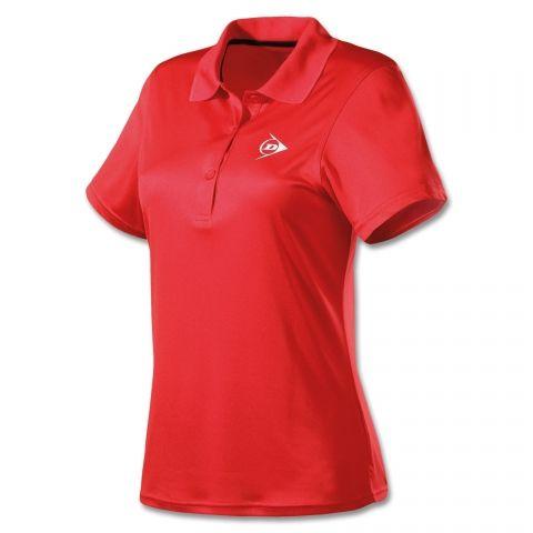 Dunlop Clubline Button Polo - Das Dunlop Clubline Polo in sportlicher Passform ist ganz auf die Bedürfnisse von Tennisspielerinnen abgestimmt. Hochfunktionelle, atmungsaktive Stoffe sorgen für ein sehr angenehmes Tragegefühl.    www.centercourt.de/Tennisbekleidung/Damen/Dunlop-Clubline-Button-Polo-red-1.html