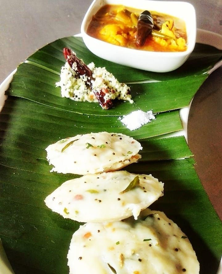 Instant vegetable rava idli with coconut chutney and sambar vegetable rava idli with coconut chutney and sambar    #instant    #vegetable    #idli    #southindia    #breakfast    #morning    #healthy    #quick    #rava    #hotel    #style    #restaurant    #punjab    #easyrecipe&nb