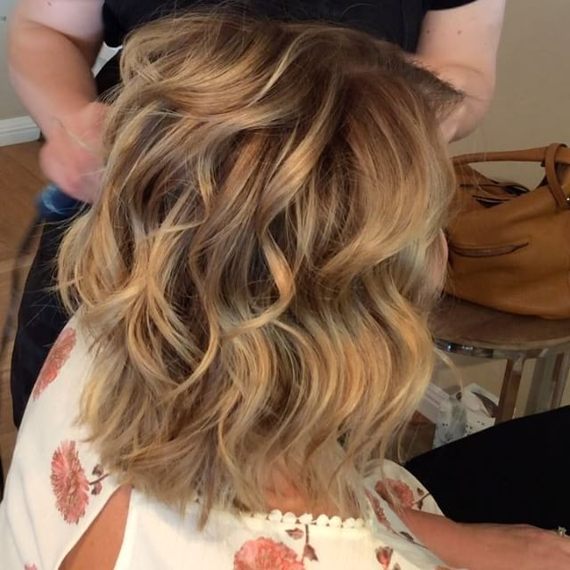 Blonde Beachy Waves Medium Length Hair Short Hair Shoulder Length