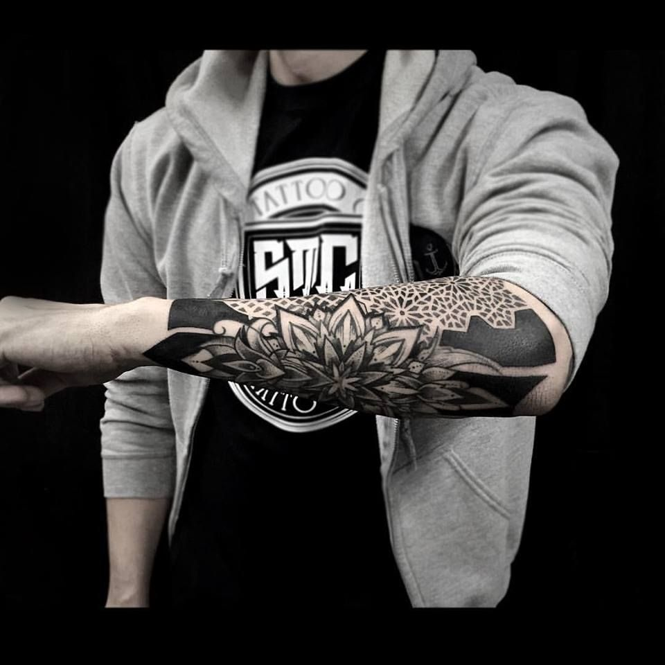 61cca1ecc Awesome blackwork tattoo in Tattoos Design Ideas   Things I want ...