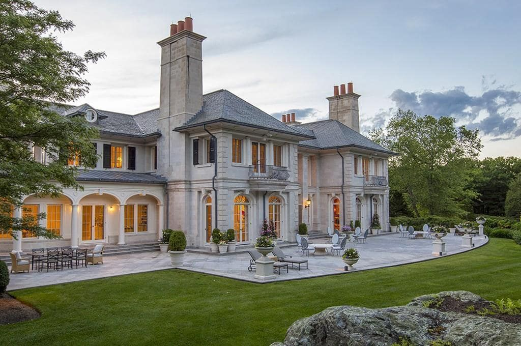 150 Woodland Rd Brookline Ma 90 000 000 8 Bd 7 5 Ba 26 619 Sq Ft Luxury Real Estate Coldwell Banker Global Luxury Forsale Luxuryreales Interieur